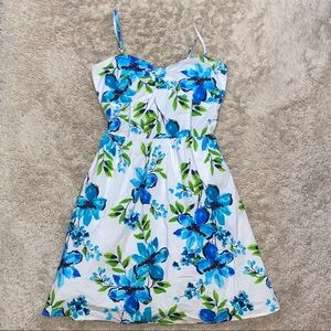 Taboo size medium white and blue floral dress